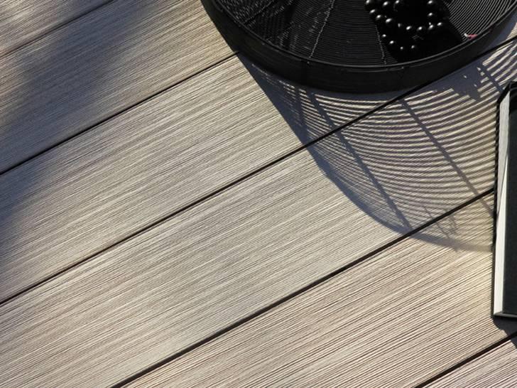 Holzverbundstoffdielen