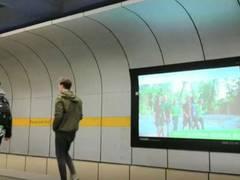 VGL Bayern präsentiert Filmspots in U-Bahnhaltestellen