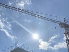 BG BAU: Neue Unterweisungshilfe zum Schutz vor UV-Strahlung