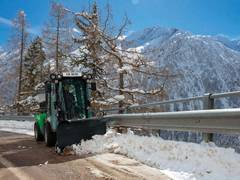 Egholm präsentiert vier neue Winteranbaugeräte für den City Ranger 3070
