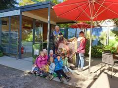 Abschluss der Landesgartenschau Überlingen: Farbenfrohe Sitzsäcke werden einem guten Zweck gespendet