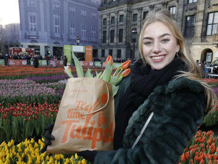 Farbenfroher Start der Tulpensaison 2019: 17.000 Besucher kamen zum Dam Platz in Amsterdam