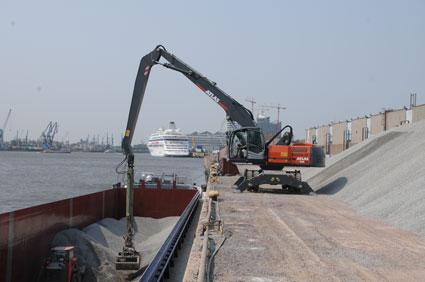 Atlas 270 MH im Hamburger Hafen