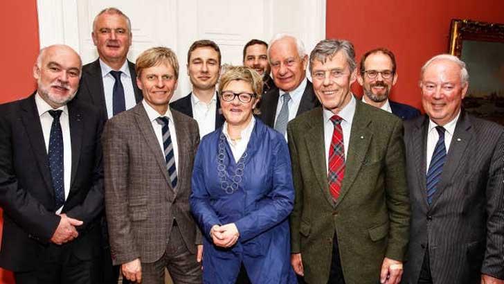 Vertreter der SDW und des BdB