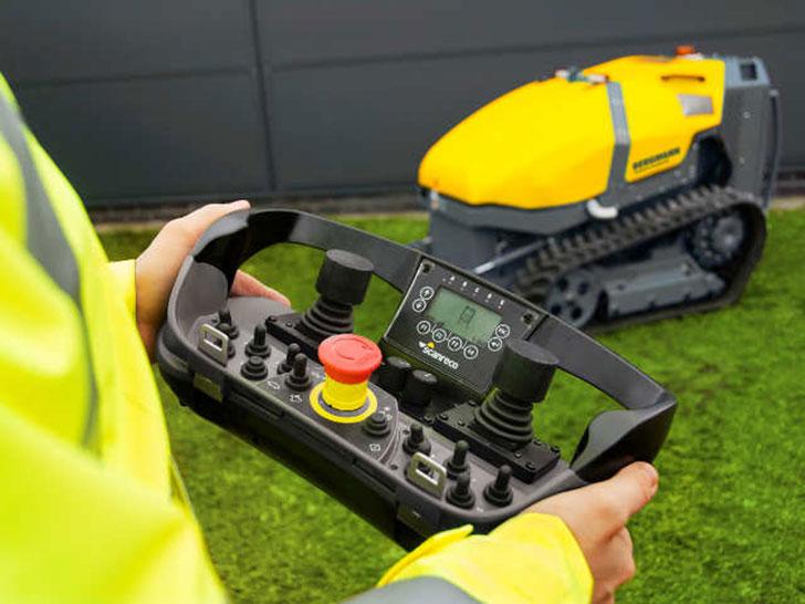 Neu: Bergmann RCC 600, Multiraupe, Kraftzentrum für Zusatzgeräte