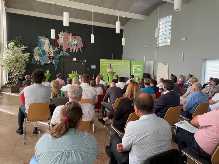 Zukunft der Gartenschauen: Bürgermeister aus Hessen und Thüringen treffen sich auf der BUGA