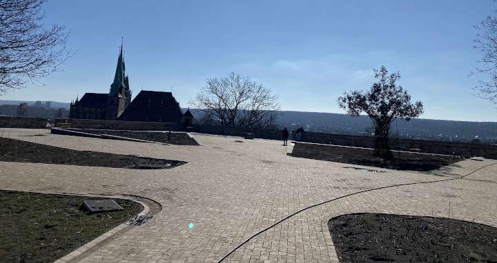 Limes Dolomit ebnet den Weg zur BUGA: 1000 m³ Naturstein für den Panoramaweg am Petersberg