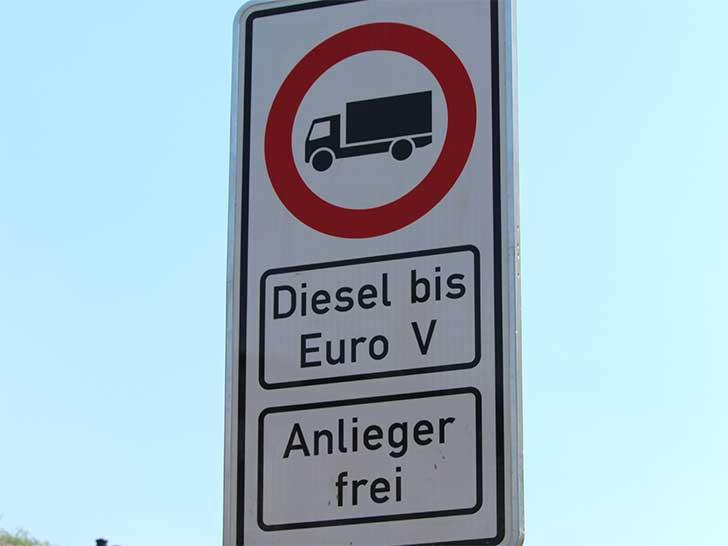 Diesel-Fahrverbot Schild