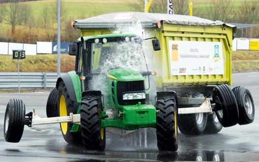 Traktor beim Sicherheitstrainig