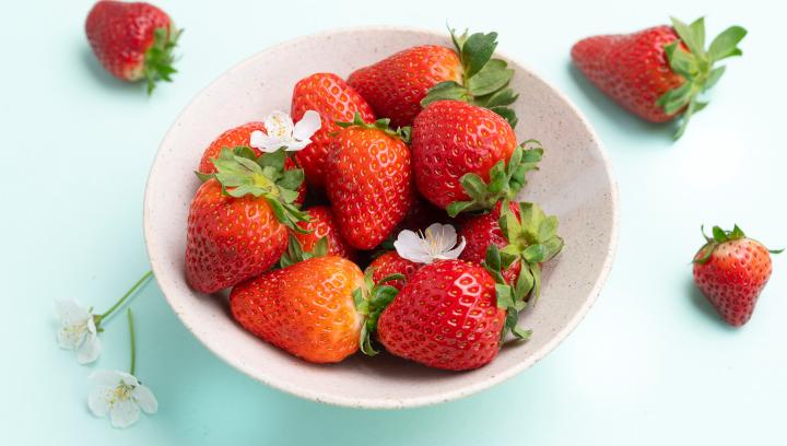 Beerige Nachrichten! Die Erdbeer-Saison startet noch vor dem Muttertag.
