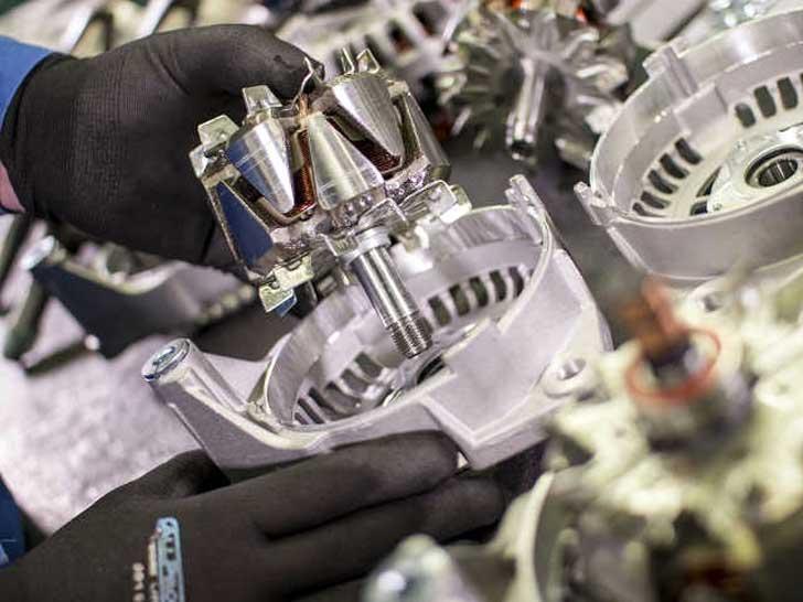 Instandsetzung von Anlassern und Lichtmaschinen
