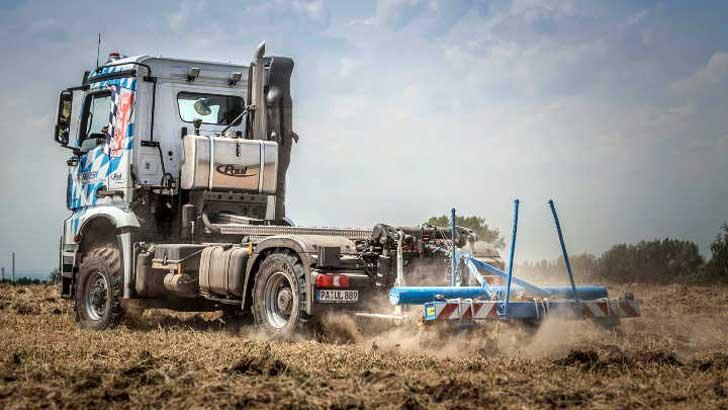 Agro Mover mit Heckzapfwelle und Heckkraftheber