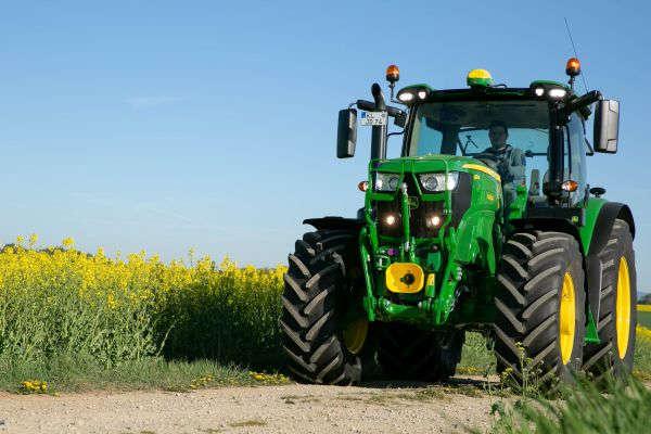 Multi-Fuel-Traktor mit Biokraftstoffen erfolgreich