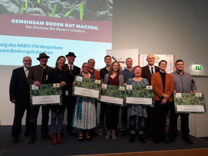 NABU-Förderpreis: 230.000 Euro für sieben neue Bio-Betriebe