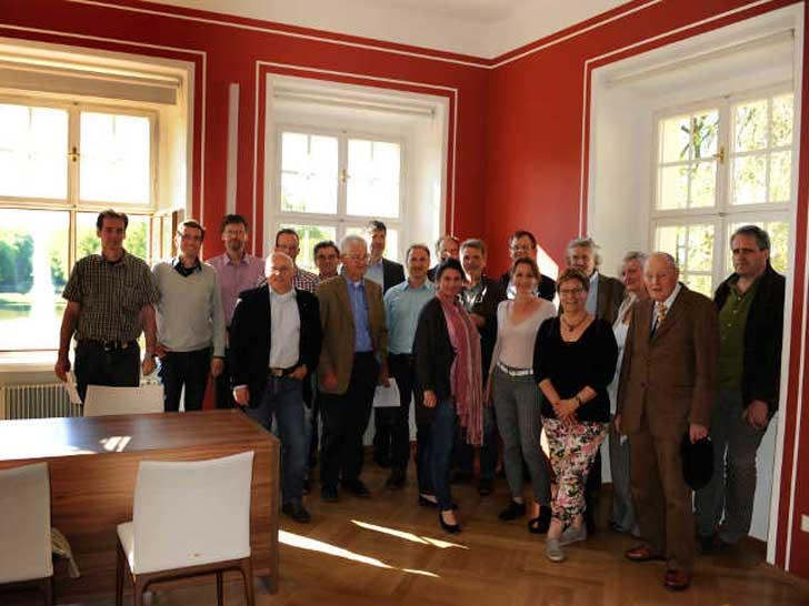 Jahreshauptversammlung der Arbeitsgemeinschaft für Sachverständige in ... - Beschaffungsdienst GaLaBau